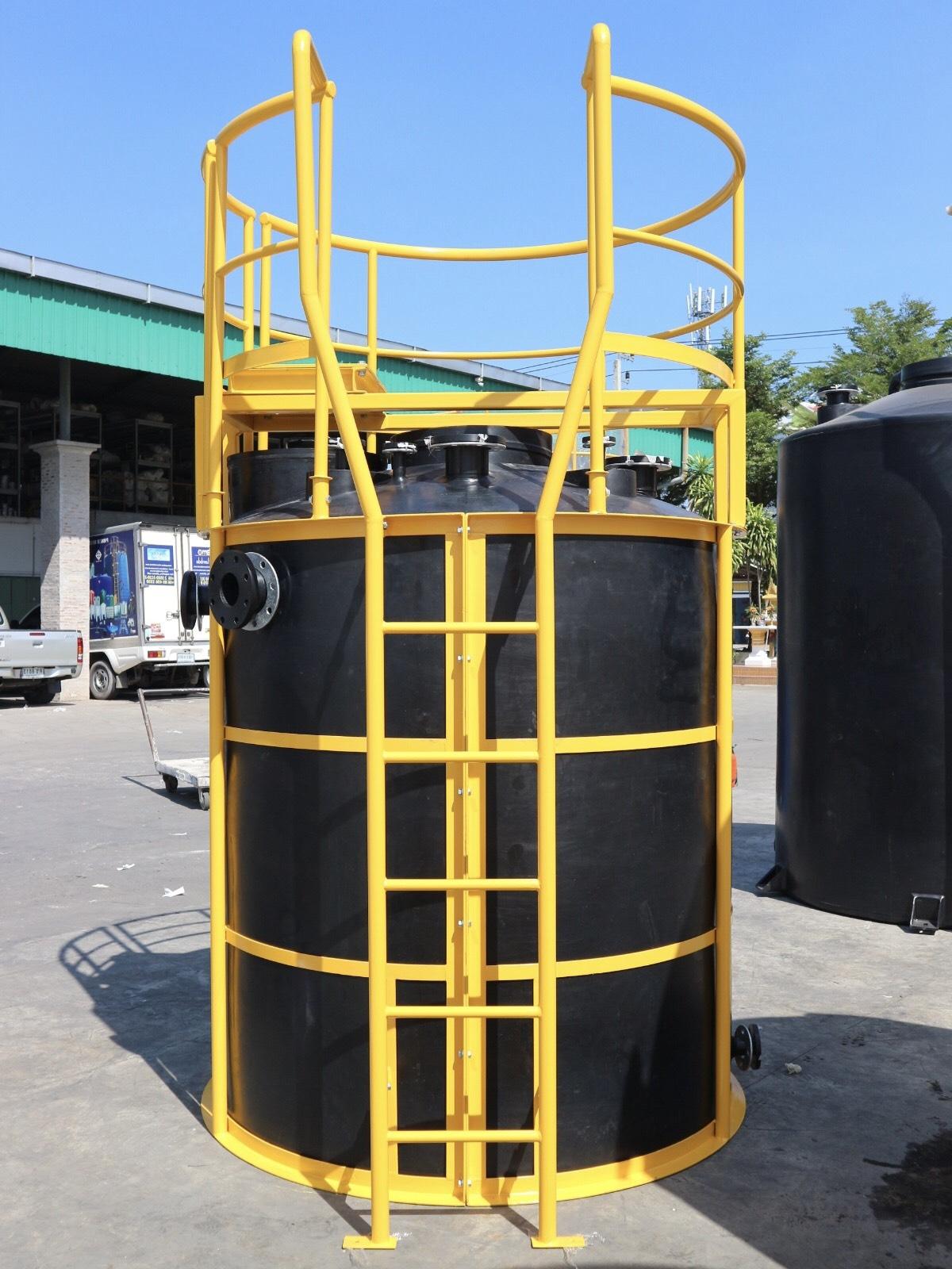Bồn chứa hóa chất 2000 lít Tema/Pakco